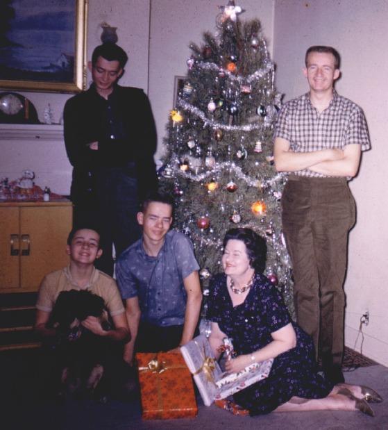 CLYDE GUTKE FAMILY CHRISTMAS 1958